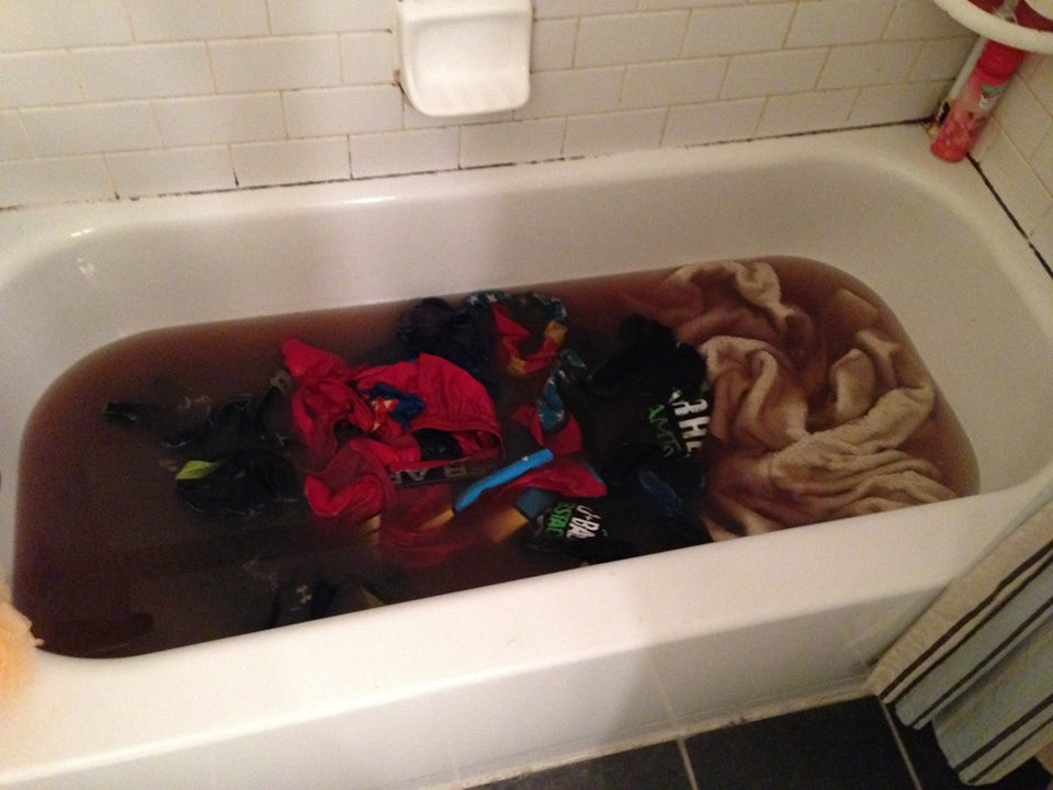 how to clean mud off clothes